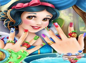 لعبة تنظيف اليد و تقليم الاظافر